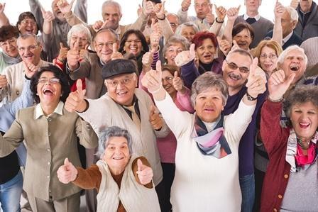 Goldener Internetpreis: Ältere online, Seioren online. Menschen 60Plus im Internet.