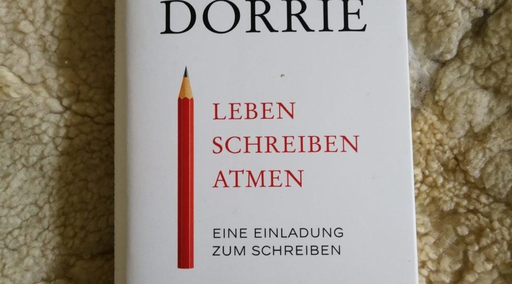 ein eigens Buch schreiben, Doris Dörrie, Schreiben, Buch schreiben, Autor werden, Autorin werden Selfpublishing, Buchhebamme, Ermutigung zum Schreiben, eigensinnig schreiben, Schreiben mit Eigensinn
